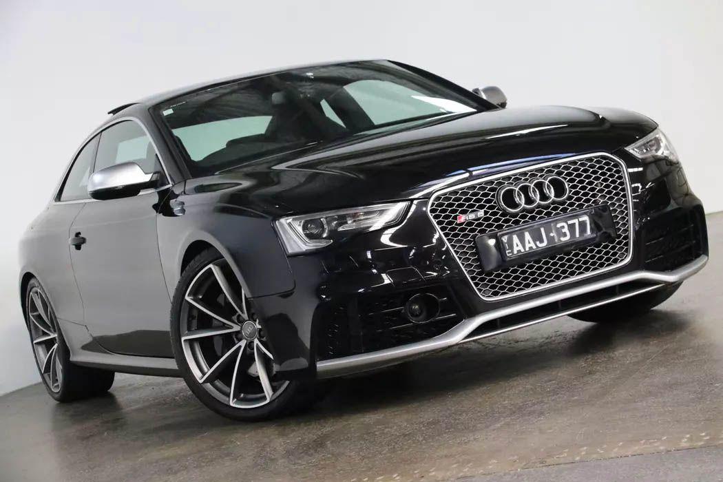 Audi RS5 exterior